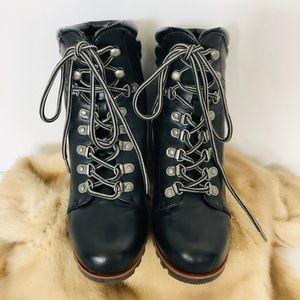 ESPRIT Sammie Black Lace Up Ankle Boots